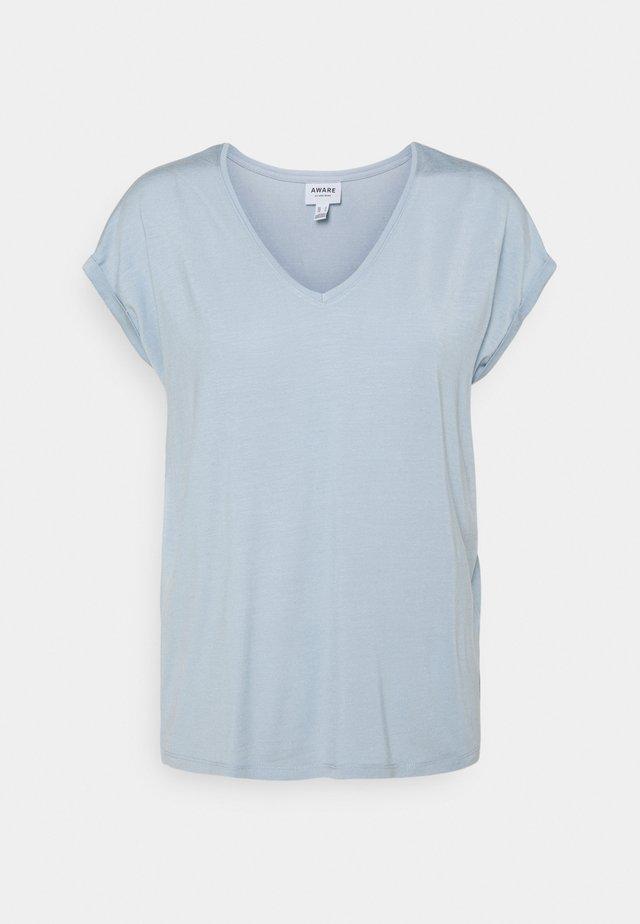 VMAVA V NECK TEE - T-shirt basic - blue fog