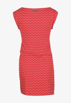 TAG ZIG ZAG - Fodralklänning - red