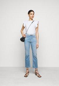 CLOSED - WOMEN - Basic T-shirt - ivory - 1