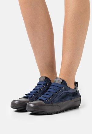 KENDO - Sneakers laag - monet/anthracite/bleu