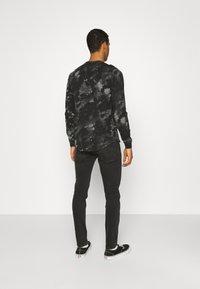 Hollister Co. - ICONIC - Långärmad tröja - black wash - 2