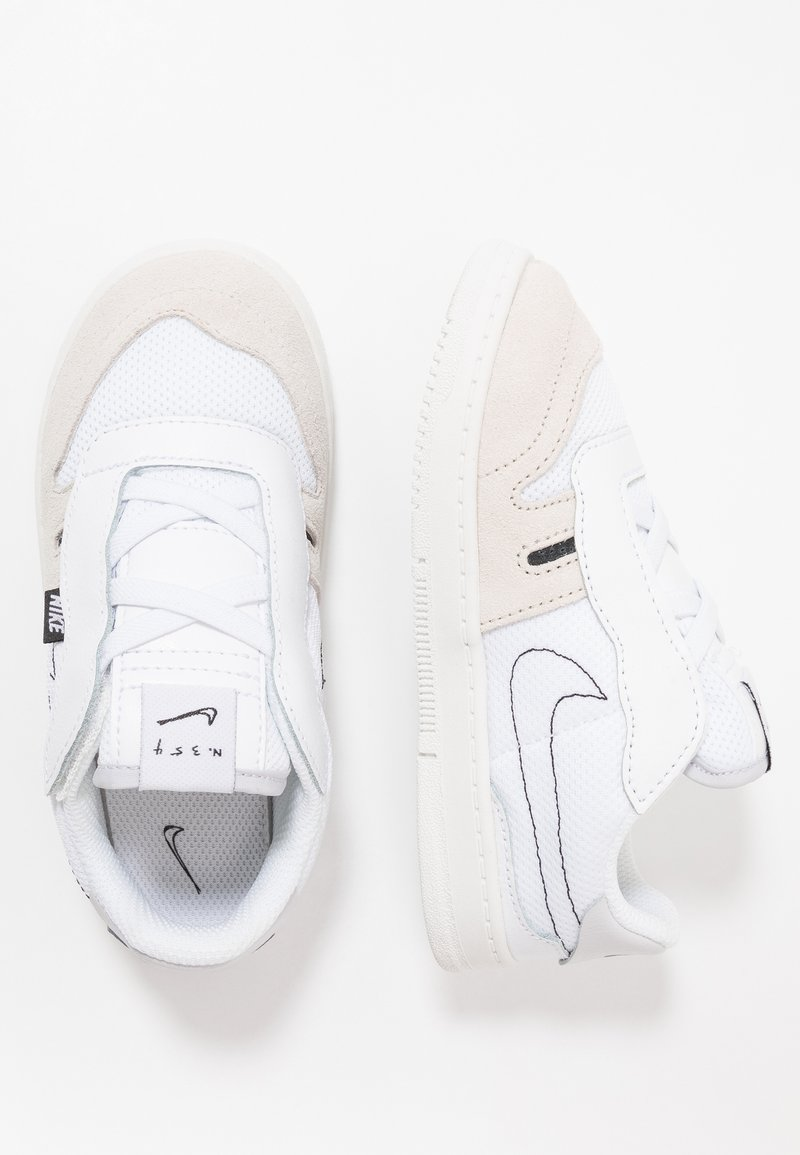 Nike Sportswear - SQUASH TYPE - Baskets basses - summit white/white/black/vast grey