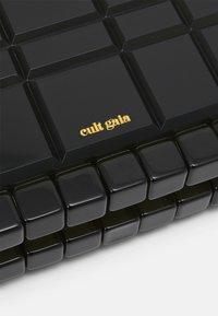 Cult Gaia - EDEN - Clutch - olive - 5