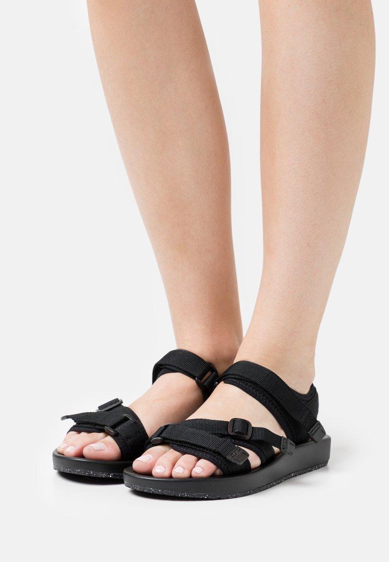 Vero Moda - VMSOFT  - Sandały trekkingowe - black
