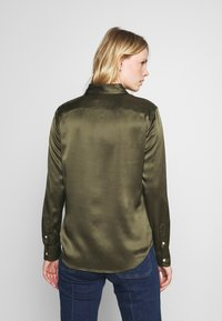 Polo Ralph Lauren - CHARMEUSE - Button-down blouse - expedition olive - 2