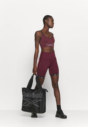 WOMENS ESSENTIALS TOTE - Treningsbag - black