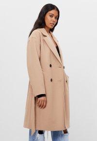 Bershka - Zimní kabát - beige - 2