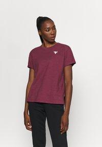 Under Armour - PROJECT ROCK - Camiseta estampada - level purple - 0