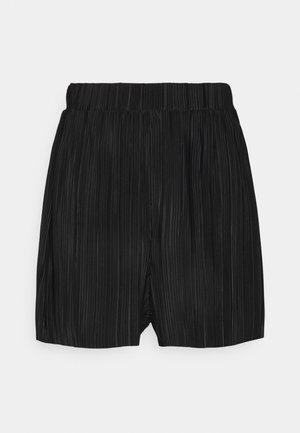 PLEATED SKATER SHORT - Shorts - black