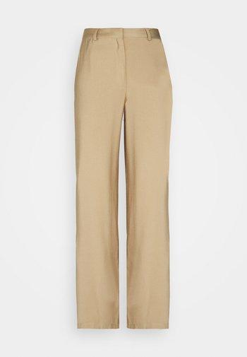 Wide Leg Smart Trouser