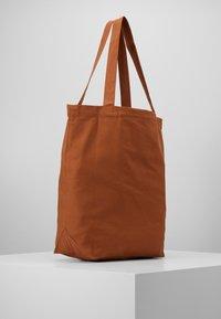 Patagonia - MARKET TOTE - Sports bag - earthworm brown - 3