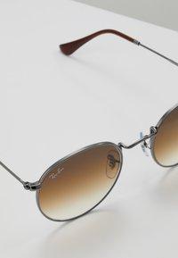 Ray-Ban - 0RB3447N - Sunglasses - gunmetal - 2