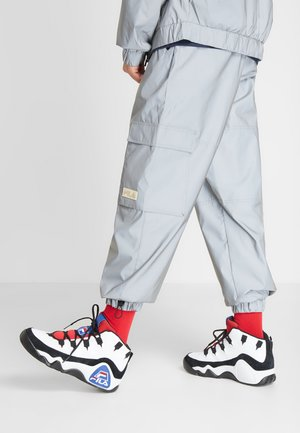 95 GRANT HILL - Sneakersy wysokie - white/black/red