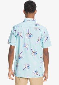Quiksilver - Shirt - blue tint royal palms - 2