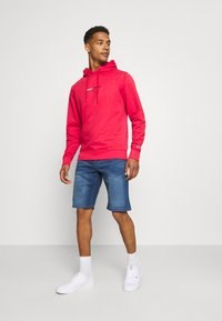 Tommy Jeans - STRAIGHT LOGO HOODIE - Felpa - pink - 1