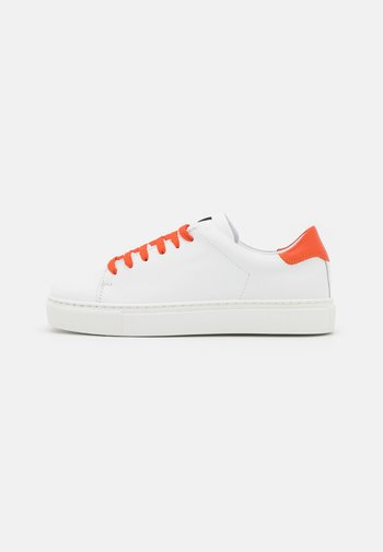 EXCLUSIVE SQUARED SHOES  - Sneakers laag - white/orange