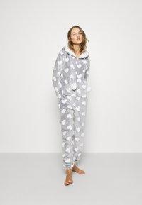 Loungeable - HEART LUXURY HOODED ONESIE - Pyjama - grey - 0
