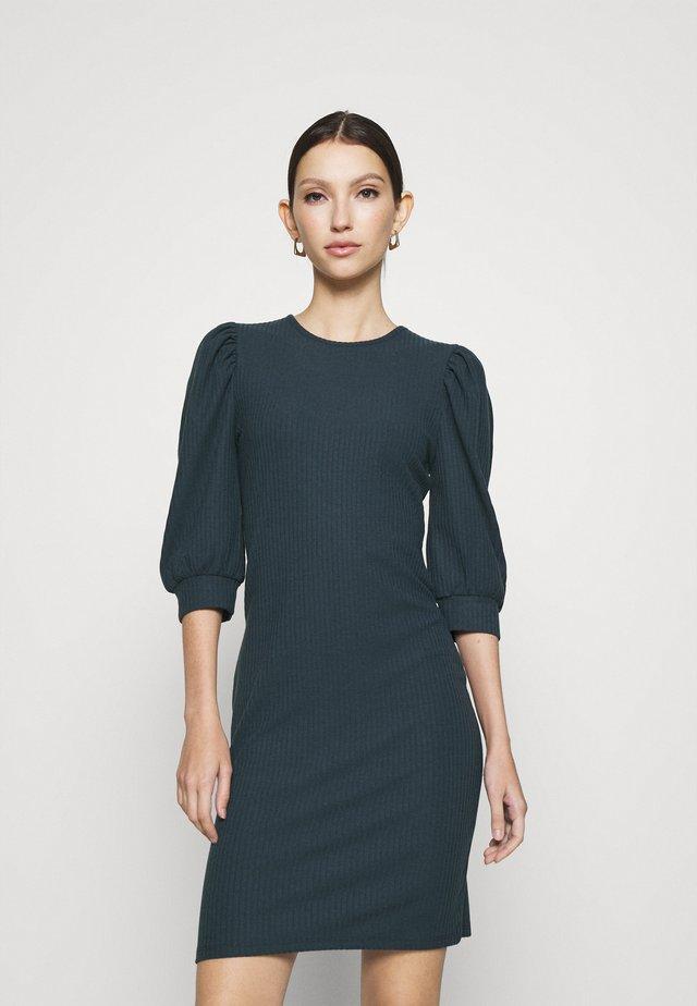 ONLNELLA PUFF DRESS - Jerseykjole - ombre blue