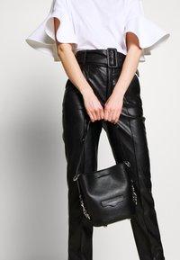 Rebecca Minkoff - UTILITY  BUCKET - Handbag - black - 1