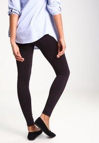 Zalando Essentials Maternity - 2 PACK - Leggings - Trousers - black - 2