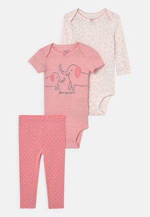 ELEPHAN SET - T-shirt z nadrukiem - light pink