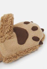 GAP - BEAR UNISEX - Mittens - bruno brown - 1