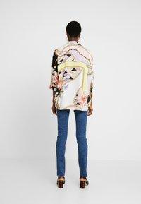 Mavi - Button-down blouse - antique white chain flower print - 2