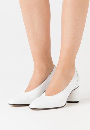COEUR - Classic heels - weiß