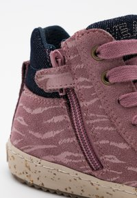 Geox - KALISPERA GIRL - Sneakersy wysokie - rose smoke - 5