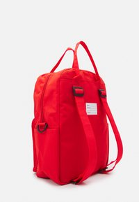 Fila - COATED CONVERTIBLE MID BACKPACK UNISEX - Rucksack - true red - 1