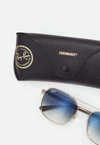 Ray-Ban - Sunglasses - arista - 2