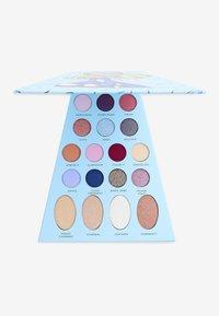 Make up Revolution - REVOLUTION X BRATZ DOLL PALETTE  - Eyeshadow palette - cloe - 2
