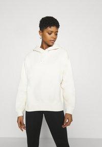 Nike Sportswear - HOODIE TREND - Hoodie - coconut milk - 0