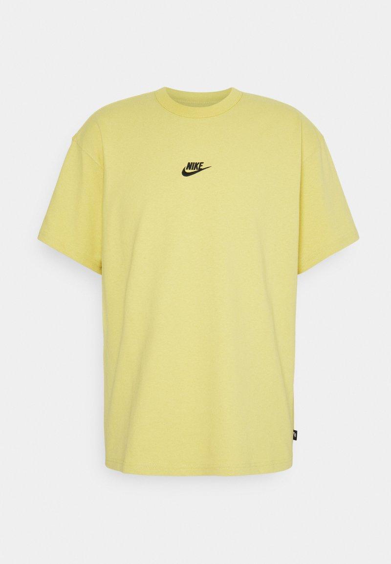 Nike Sportswear - TEE PREMIUM ESSENTIAL - T-shirt basic - saturn gold/black