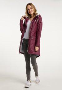 Schmuddelwedda - Waterproof jacket - bordeaux - 1