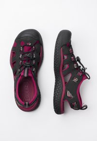 Keen - Walking sandals - raspberry wine/black - 1