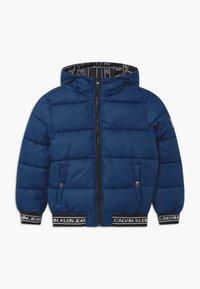 Calvin Klein Jeans - REVERSIBLE LOGO TAPE  - Vinterjakker - black - 2