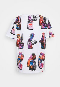 Desigual - Designed by Mr. Christian Lacroix - T-shirts med print - white - 6