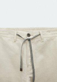 Massimo Dutti - IM VINTAGELOOK  - Trousers - beige - 3