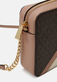 MICHAEL Michael Kors - JET CROSSBODY COLOUR BLOCK - Across body bag - brown/softpink - 4