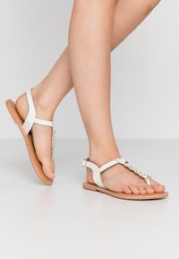 New Look Wide Fit - WIDE FIT GINA - T-bar sandals - offwhite - 0