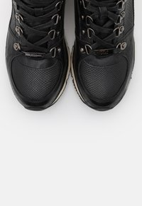 XTI - High-top trainers - black - 5
