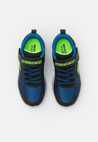 Skechers - VORTEX FLASH - Tenisky - black/blue/lime - 3