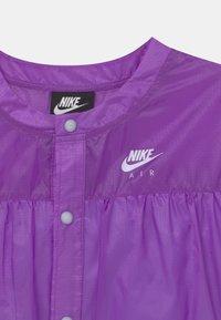 Nike Sportswear - AIR - Bluzka - wild berry/purple chalk - 2