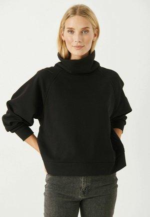 LUKAPW SW - Stickad tröja - black