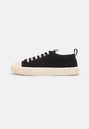SOLENT - Sneakersy niskie - black