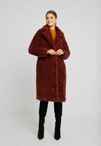 Vero Moda - VMSOPHIA  - Zimní kabát - madder brown - 0