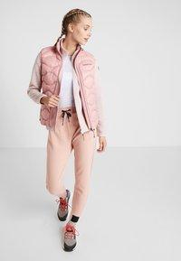 Icepeak - ABBYVILLE - Fleecová bunda - baby pink - 1