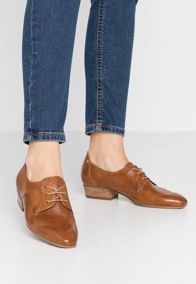 Zapatos de vestir - terra