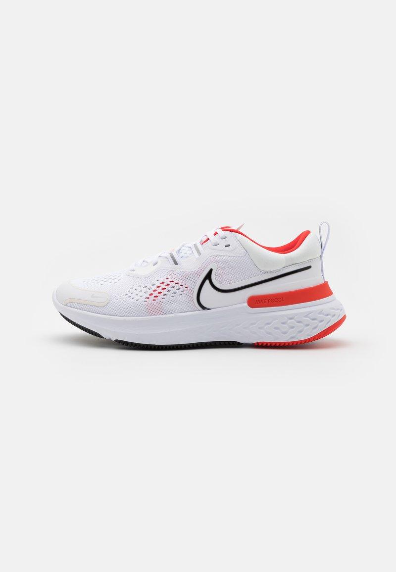Nike Performance - REACT MILER 2 - Neutrala löparskor - white/black/chile red/platinum tint